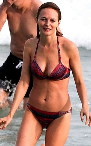 Heather Graham Bikini Pictures