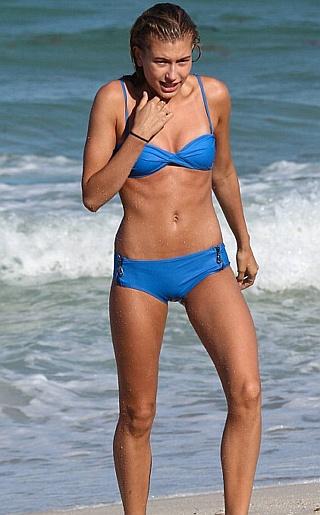 Hailey Baldwin Bikini Pictures