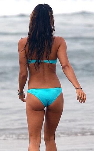 Leilani Dowding Bikini Pictures