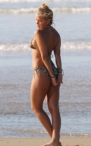 Lara Bingle Bikini Pictures