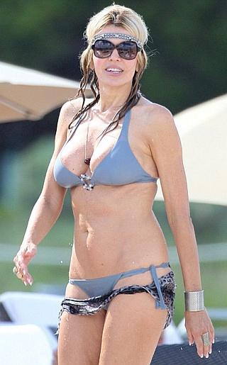 Rita Rustic Bikini Pictures