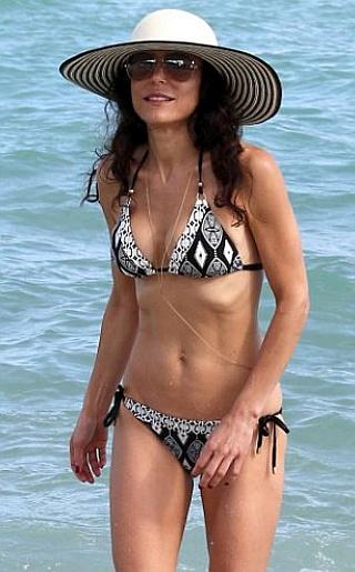 Bethenny Frankel Bikini Pictures