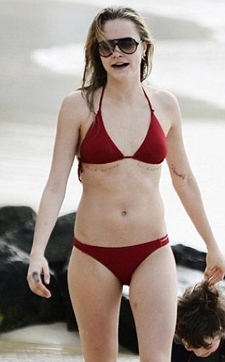Cara Delevinge Bikini Pictures