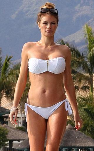 Chloe Sims Bikini Pictures
