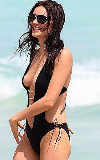 Kira Dikhtyar Bikini Pictures