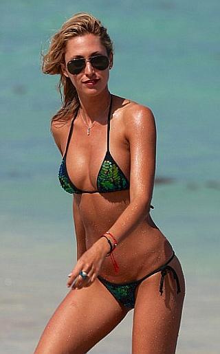 Lauren Stoner Bikini Pictures