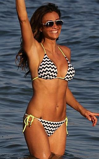Melanie Sykes Bikini Pictures